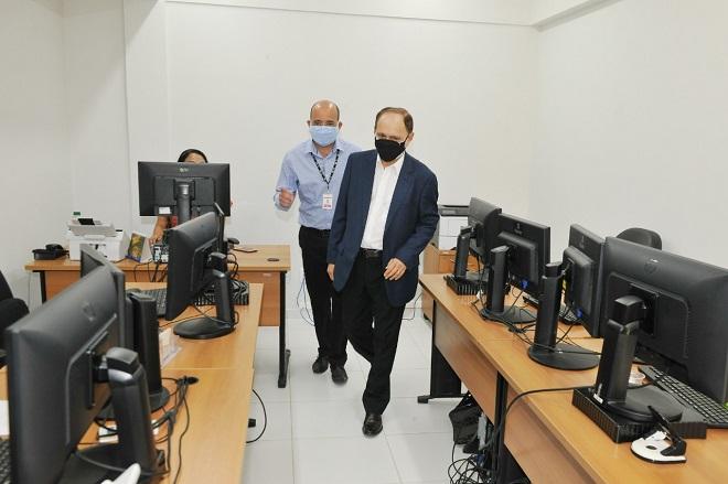 Lourival Serejo visita obras de reforma de prédio administrativo