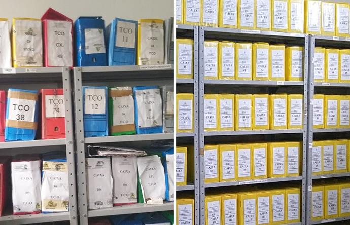Foto mostra estantes de processos em dois momentos. Antes e depois de organização.