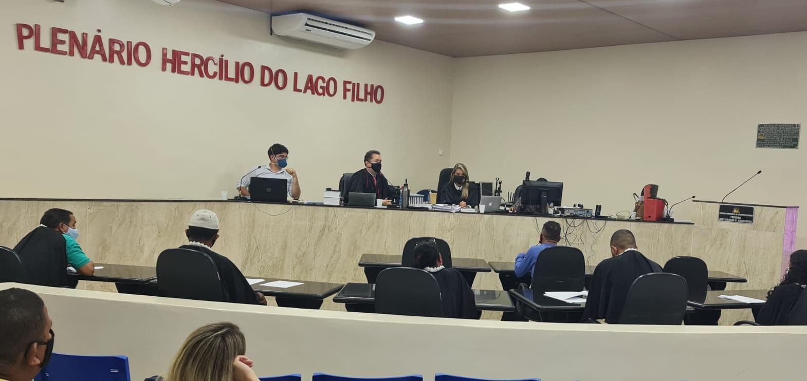 Tribunal do Júri realiza sessão com ambientação de jurados