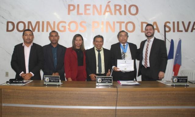Tyrone Silva recebe título de Cidadão de Presidente Vargas