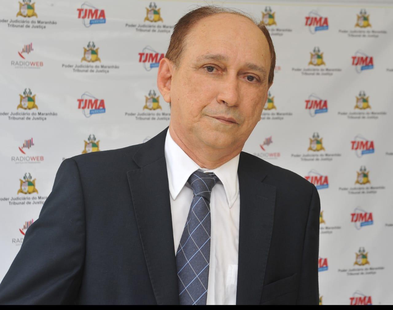 O desembargador Lourival Serejo desejou êxito ao novo procurador-geral de Justiça (Foto: Ribamar Pinheiro)